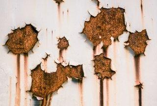 Fissures de fondation et humidité : prévenez les problèmes de santé !